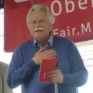 Vlastimil Hort bei der Siegerehrung (Foto: Jürgen Cziczkus, bearbeitet)